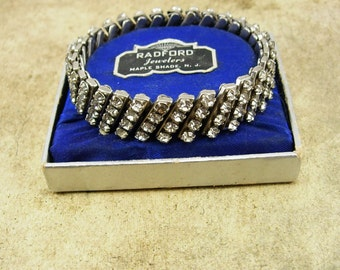 Vintage French paste Bracelet in ORIGINAL BOX Prong set expandable Radford jewelers
