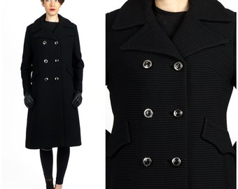 Chic Vintage 60s Ribbed Black Wool Double-Breasted Jacket with Wide Winged Collar   Medium