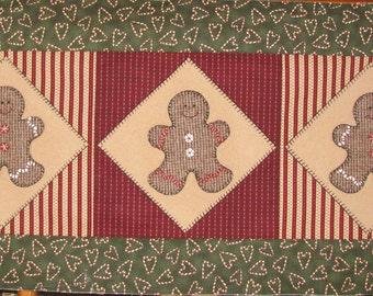 Gingerbread Table Runner pattern