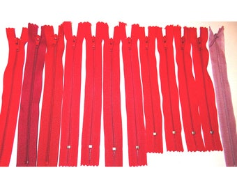 Set of 12 zippers red and pink