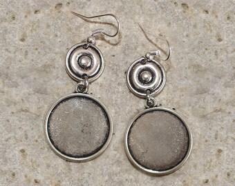 round cabochon 20 mm medium tone earring