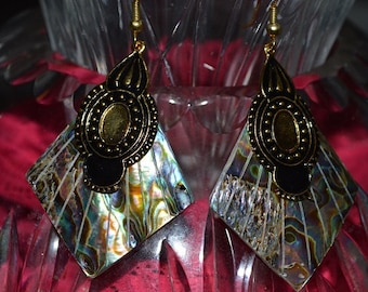 SALE...Beautiful Vintage Abalone shell, Antique Silver, Egyptian style  Earrings (1017192)