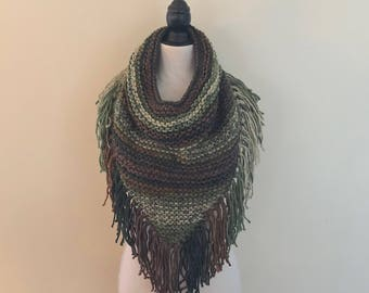 READY TO SHIP. Triangle Cowl. Fringed cowl, knit cowl, knit scarf, triangle scarf, green scarf, camo scarf.