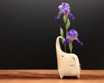 elephant vase ONE / bud vase / cream / price for one elephant