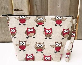 Knitting Bag in Owl print linen, Zippered Knitting Bag, Project Bag, Shawl size Knitting Bag, Wedge Knitting Tote