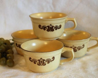 Set of 4 Pfaltzgraff Tea or Coffee Cups - Village Pattern in Excellent Condition