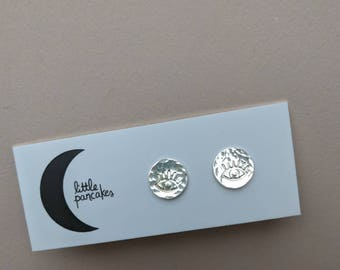 Eye stud earrings, sterling silver dots