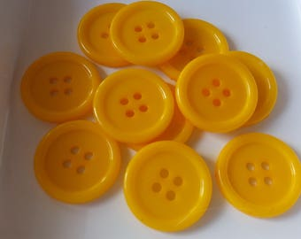 Set of 10 yellow buttons