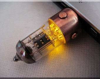 8/16/32/64/128GB ORANGE Pentode radio Vacuum tube Usb flash drive stick. Steampunk/Fallout style  !!! Stand and Shipping for FREE!!!