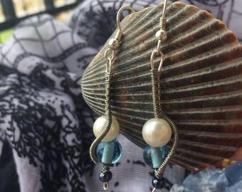 Moody Blue Belle Earrings