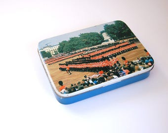 Vintage Sweets Tin / Blue Bird Confectionery,  Harry Vincent Ltd, Parkes Classic Confectionery / Changing of the Guard at Buckingham Palace