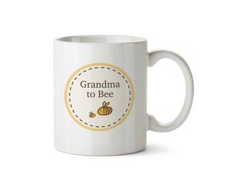 Grandma to Bumble Bee Baby Announcement Ceramic Mug Circle Design