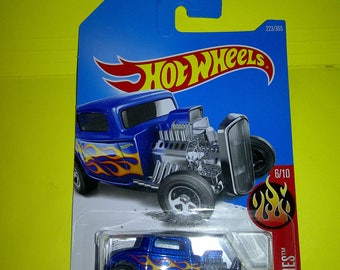 Hot Wheels 1932 Ford new on card