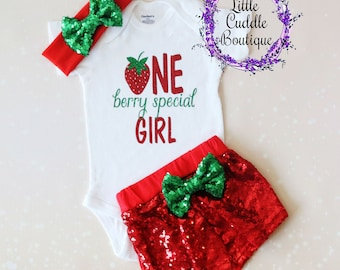 Strawberry First Birthday Outfit, One Berry Special Girl Outfit, Baby Girl Gift, Red Shorts, Baby Girl Outfit, First Birthday Outfit, Baby