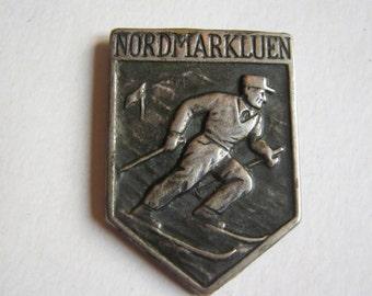 vintage silver Nordmarkluen ski badge