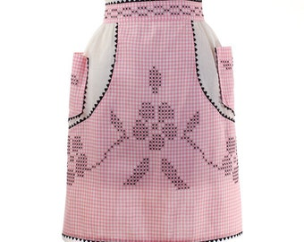 Vintage 1960's Women's Pink and Black Gingham Apron - Pink Gingham & White Cotton Half Apron with 2 Patch Pockets - Country Chef Apron
