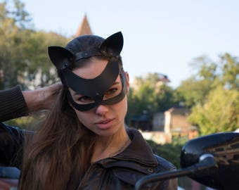 Cat Woman Mask, halloween mask, Leather cat mask, Fetish Mask ,Kitty mask, Cos Play, Party mask, harness mask, carnival mask