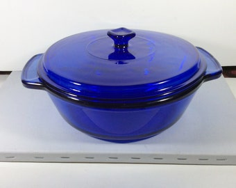 Vintage Cobalt Blue glass Anchor Hocking casserole dish 2 quart.