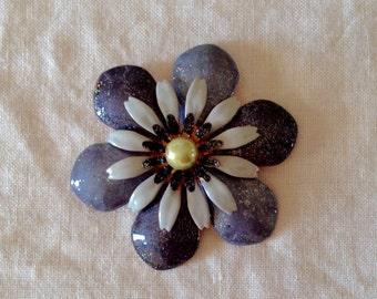 Beautiful vintage 1960 grey and white enamel flower brooch