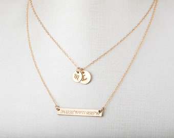 Personalized Disc Name bar necklace,Contemporary Bridesmaid's jewelry, Initial Rectangle necklace,engraved Necklace, Mother's Day Gift