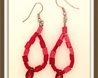 Handmade MWL red glass beaded earrings. 0115