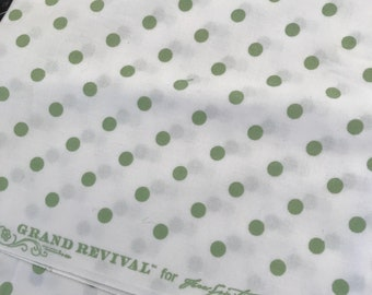 Grand Revival by Tanya Whelan Ava Roses Spots Green Fat Quarter, Quilting Sewing Fabric Retro Fabric