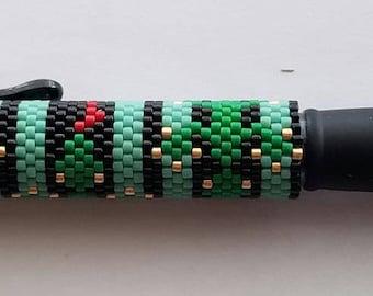 Geckos! Beaded Pen Cover with G2 Black Pen