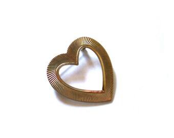 REDUCED Vintage 1950's Heart Pin Brooch, Sunburst Pattern, Mid Century, Gold Tone Virgin Pin, VisionsOfOlde