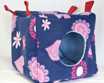 RooQube hanging cuddle fleece pet bed cosy for rats, degus and sugar gliders.