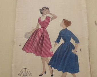 Vintage Butterick  Pattern 7042  Teen-Age Casua Dress  Size 14   Factory Fold