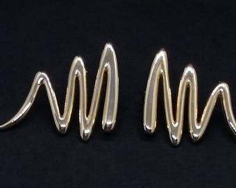 Gold Tone Retro Earrings Squiggle Design Stud Back