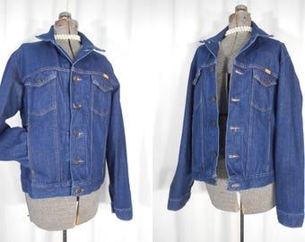 Vintage Denim Jacket / 1970s Jean Jacket Plus Size / Dark Blue and Oversized from Rustler
