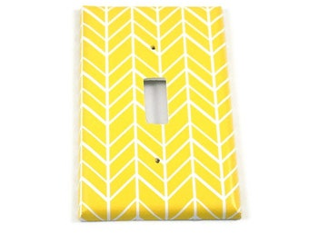 Light Switch Plate Yellow Feather   (137)