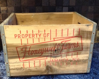 REDUCED-Vintage Honeywell Farm's Milk Crate- Jamaica, New York