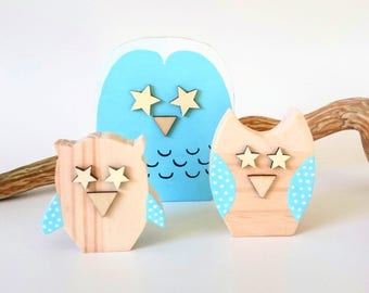 Owls in raw wood, set of 3 pieces, MOM and her baby owls, blue sky with white dots