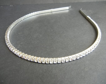 Simply Sparkles! Crystal Rhinestone Tiara. Bridal Headpiece. Classic, Simple and Elegant.