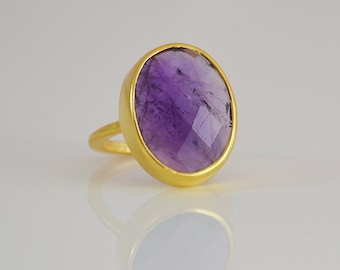 Large purple amethyst ring - bezel set ring - February Birthstone ring - statement ring - oval ring - stacking ring, purple amethyst jewelry