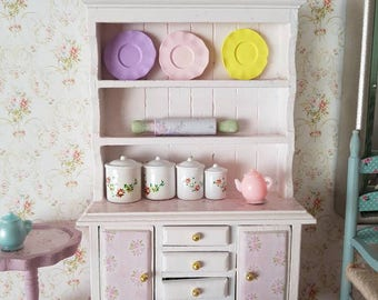 Dollhouse Miniature,Dollhouse Furniture,Miniatures,Shabby Cottage Chic,Shabby Dollhouse,Miniature Chic,Doll house Shabby,12th scale,