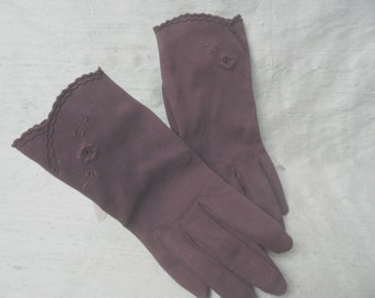 Brown cotton wrist length gloves / vintage short brown gloves / 6  1/2   German, J L Hudson