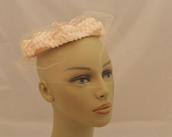 1950s Light Pink Straw Hat with Veil / Vintage Light Pink Veil Hat / 50s Pink Hat with Veil