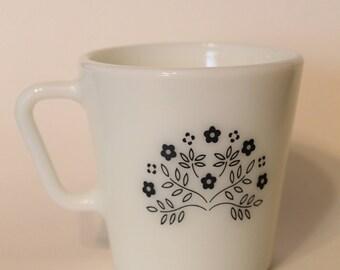Vintage Pyrex Mug Spring Blossom / Crazy Daisy in Navy Blue