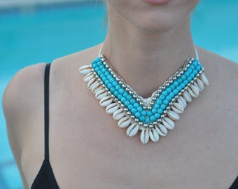 Handmade, real seashells and gorgeous beading. Perfect for any occasions!