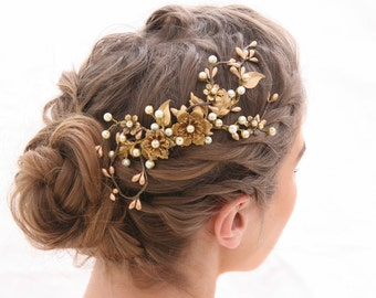 Gold Bridal Hair Comb, Rustic Bronze Wedding headpiece, Golden Boho Wedding Hair Accessory with Metal Flowers and Leaves