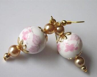 Pink Flower Earrings, Pink Flower Jewelry, Beaded Dangle Earrings, Spring Wedding Jewelry