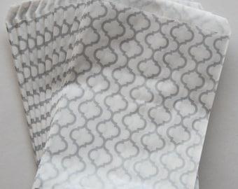 "50 - 5""x7"" Silver Trellis Print Merchandise Flat Bags"