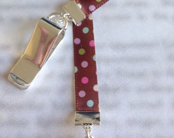 Cupcake bookmark / Birthday Bookmark / Cute Bookmark - Clip to book cover then mark page with ribbon. Never lose your bookmark!