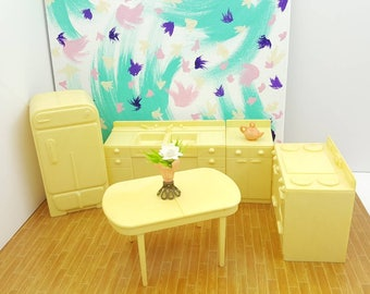 Marx Marxie Mansion Hard Plastic  Kitchen Pieces Toy fridge stove Counter Table   Dollhouse Traditional Style