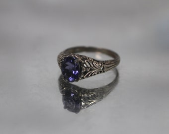 925 - Vintage Art Deco Style Filigree Tanzanite Ring in Sterling Silver
