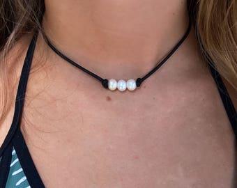 3 PEARL CHOKER; Real Pearl Leather Choker; Freshwater Pearl Choker; 3 Pearl Necklace; pearl choker; leather necklace; leather choker; choker