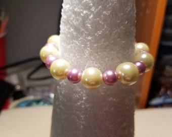 Pearl beads stretch cord bracelet